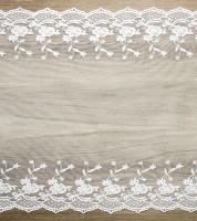 Spitzen-Tischläufer mit Blumen - weiß - 45 cm x 9 m