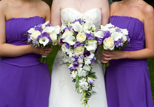 Farblich passende Deko für jedes Hochzeitskonzept
