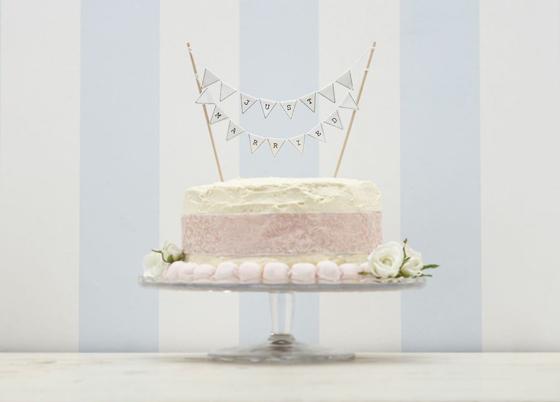 Hochzeitstorte Vintage Grün : Just Married Bunting Wedding Cake