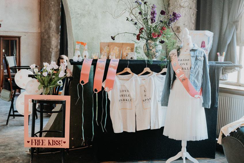 Echte coole urbane Accessoires für eine echte Brautparty im Loft (c) Christine Ladehoff Fotografie