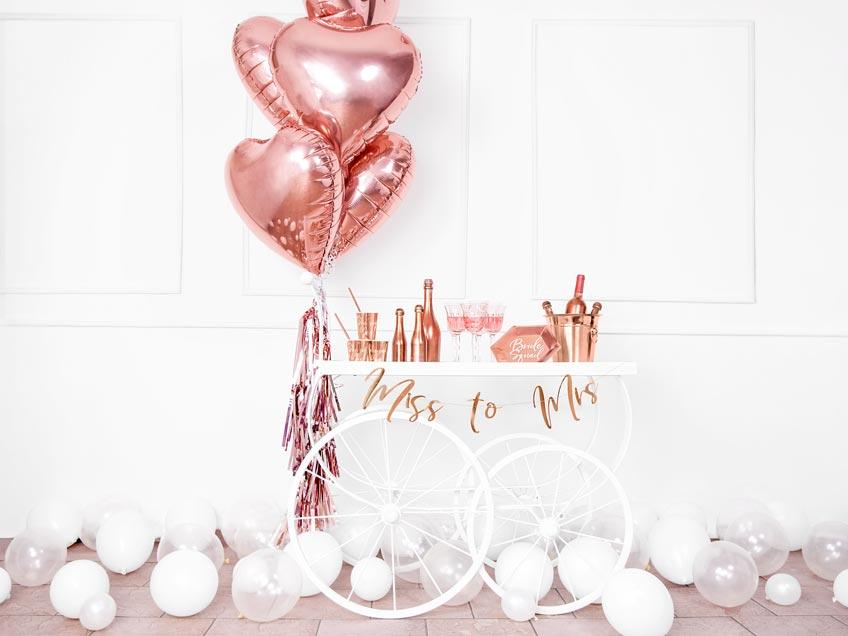 Erschaffe einen stylischen Brautparty-Stil, zum Beispiel mit schicker Brautparty-Bar