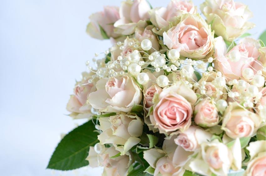 Thematisch und optisch schön - der Brautstrauß fürs Spielen auf der Bridal Shower
