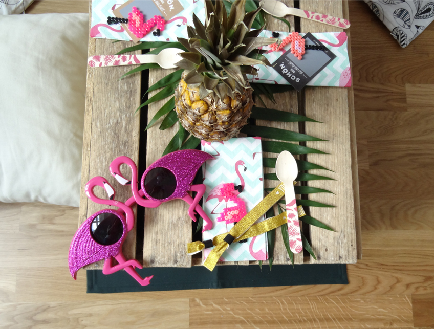 Die quirlige Sonnenbrille ist für jede spaßige Mädelsrunde geeignet - auch für die Brautparty! © Steffi's Hochzeitsblog