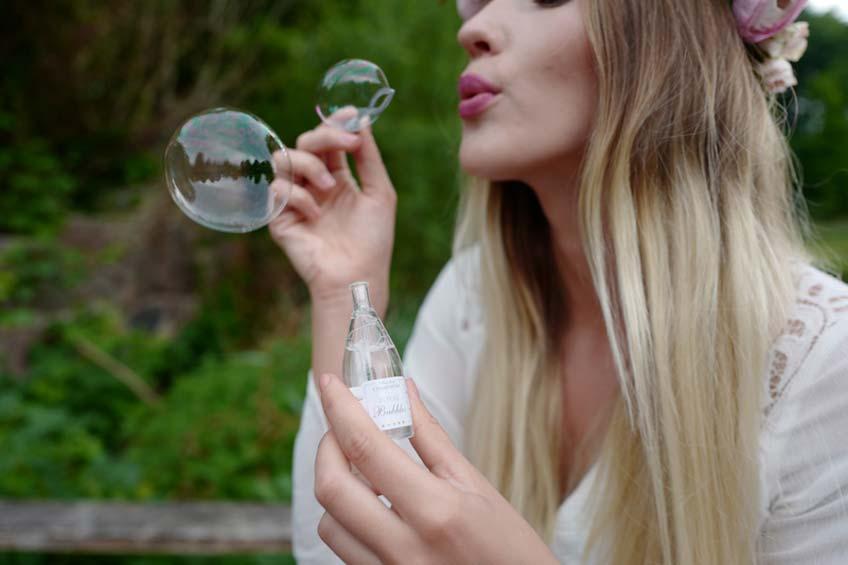 Nachhaltige Hochzeitsalternative für Konfetti - Seifenblasen