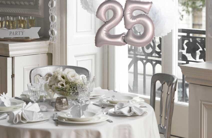 25 Jahre Ehegluck So Feiert Ihr Euer Jubilaum In Schonstem Silber
