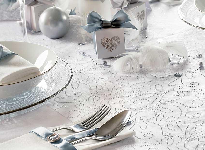 Nostalgische Deko: Weckt die alten Hochzeitsfarben zur Silberhochzeit wieder auf!