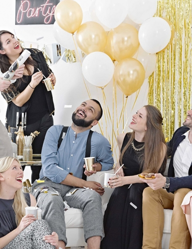 Das Paar will den JGA zusammen feiern? So geht es