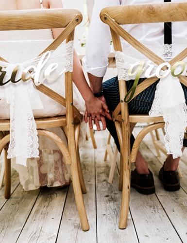 Die Tiny Wedding hat viele Vorteile - das Brautpaar hat z.B. viel Zeit für die Gäste und einander