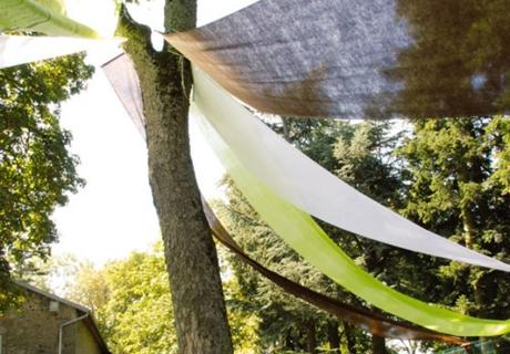 Banner sind die perfekten Schattenspender für Sommerhochzeiten