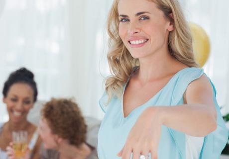 Als Bald Braut solltet ihr euch gebührend feiern lassen - ob mit einer Bridal Shower, Brautparty oder JGA