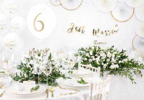 Deko für die elegante Hochzeit in Weiß und Gold