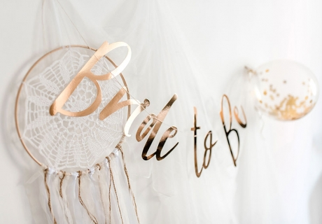Die Bride-to-be-Girlande macht auf dem richtigen Hintergrund gleich doppelt so viel her!