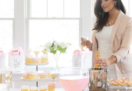 Mach einen schicken Bridal Brunch mit Deko in Pastell und Diamanten-Motiven