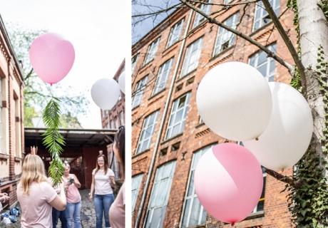 Mit den Riesenballons in süßem Rosa und Weiß habt ihr zur Bridal Shower tolle Hingucker © momentpur. fotografie und design