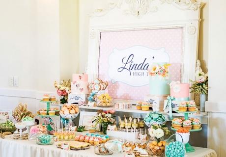Zur Bridal Shower ist ein schön gedeckter Sweet Table wichtig (c) Silk Truffle Photography