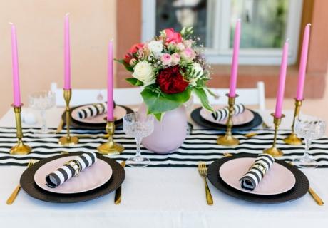 Die Tischdeko muss stimmen - dekoriere dein Bridesmaid Dinner in deinem Stil (c) Julia Köhler