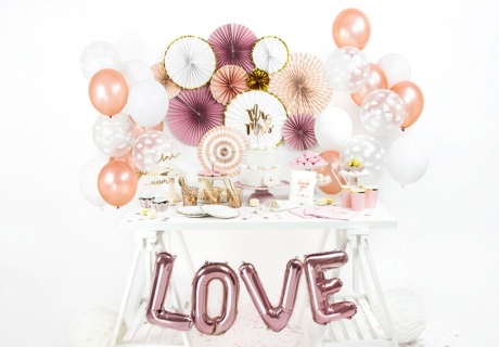 So kann deine fertige Candy Bar zur Hochzeit aussehen