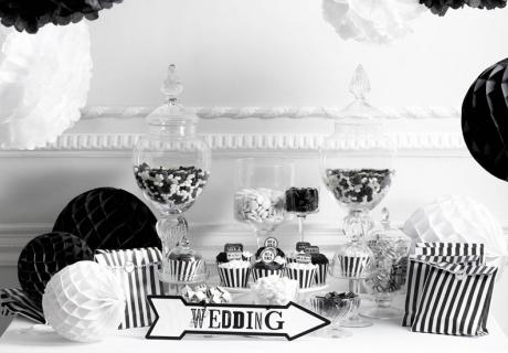 Hochzeitsidee - Die Candy Bar kann natürlich auch einem Motto folgen