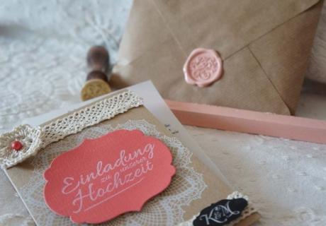 DIY-Einladungen für eine kostengünstige Hochzeit