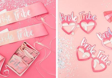 JGA-Accessoires - pink und irisierend fällt die Bride Tribe allen auf
