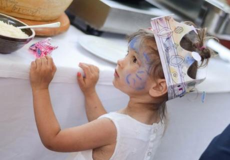 Ein Spaß für Wedding Kids - beim Kinderschminken darf jeder werden, was er sein möchte