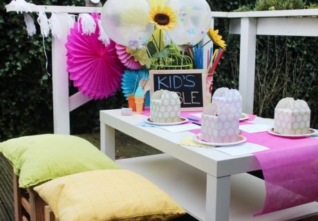 Ein Tisch, an dem die kleinen Hochzeitsgäste sitzen wollen - der Kid`s Table