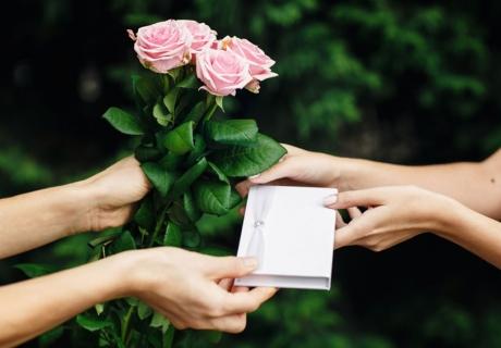 Geschenkideen zum Polterabend - wir helfen dir zum richtigen Geschenk