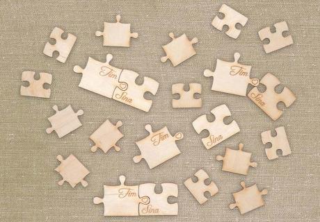 Süße Streuteile für die Verlobung - Puzzle mit Namenszügen