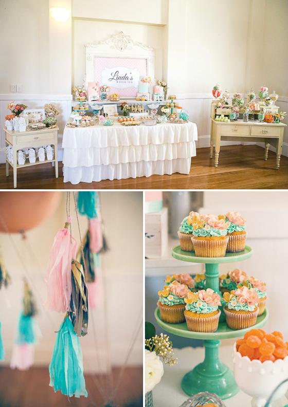 Vintage Sweet Table mit romantischen Blumen und Blüten